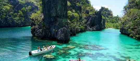 Palawan: Perfect Summer Getaway for Tourists and Popular Celebrities!